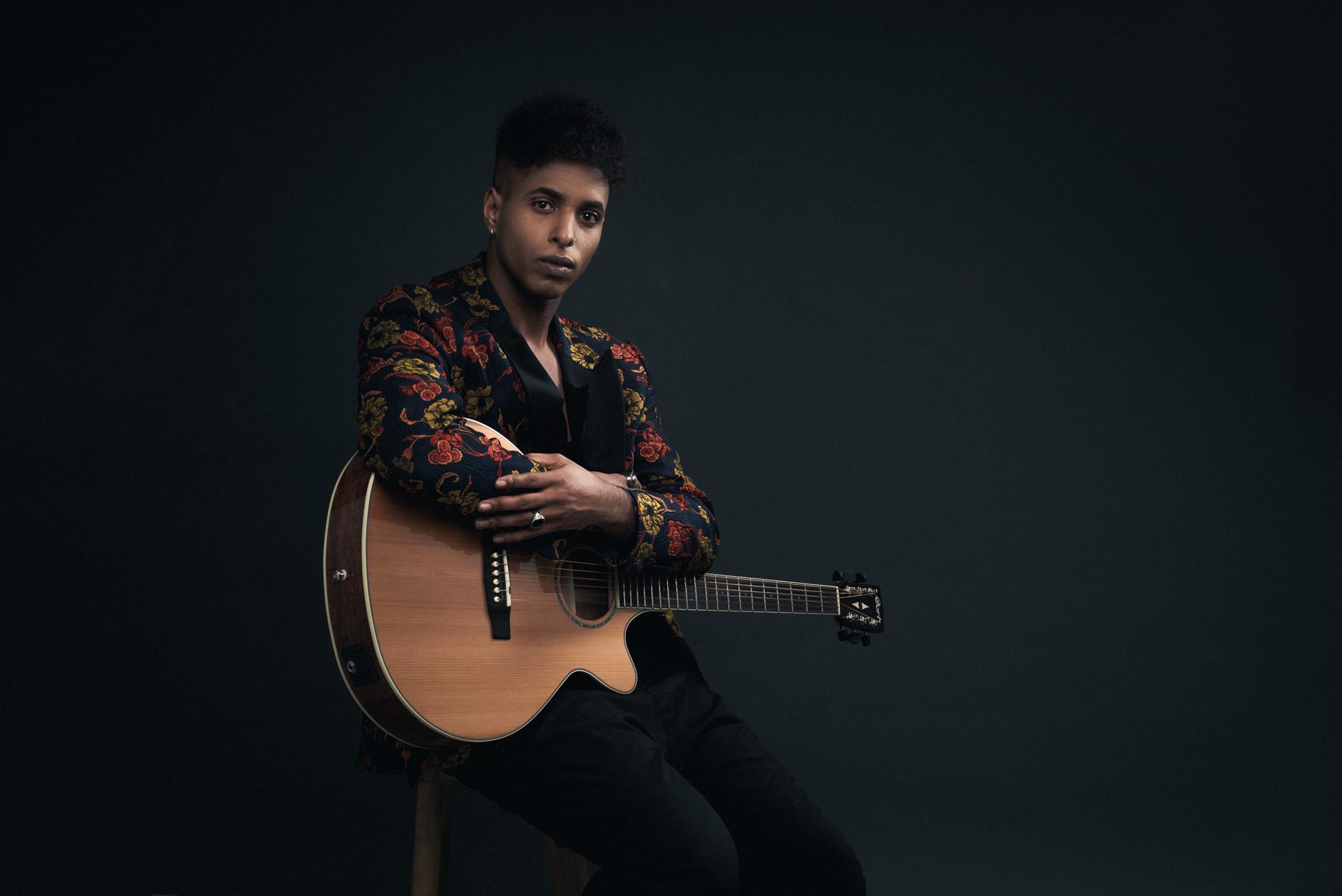 Feysal con chitarra